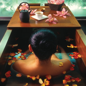 Aromas and Flowers Japanese Bath Ceremony*
